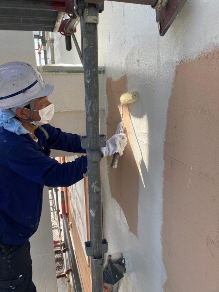 飯塚市 外壁塗装 下塗り2回目 写真4
