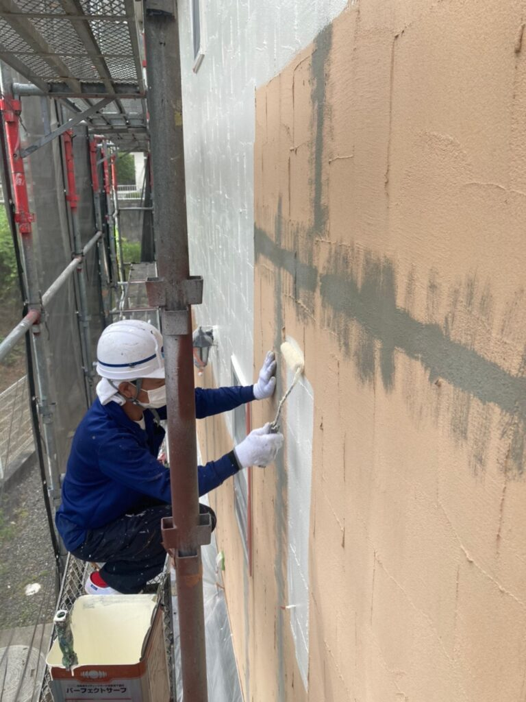 飯塚市 外壁塗装 下塗り2回目 写真5