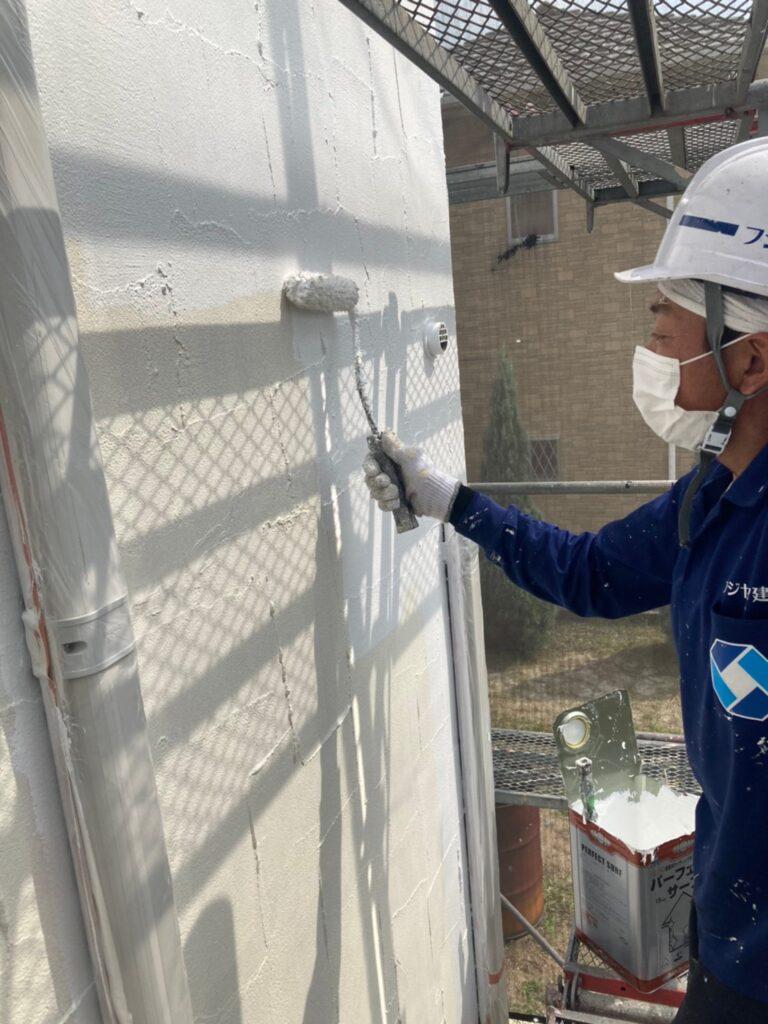 飯塚市 外壁塗装 下塗り3回目 写真6