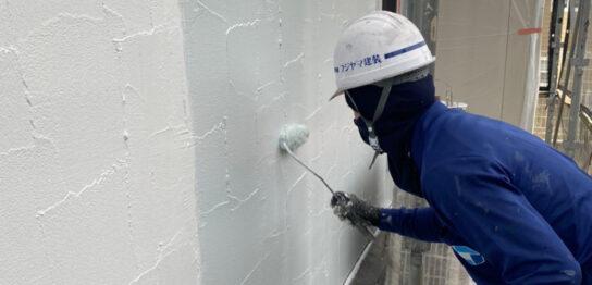 飯塚市 軒天塗装と外壁中塗り