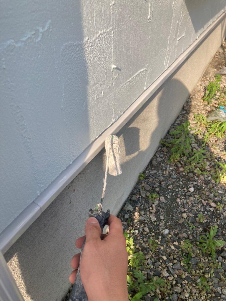 飯塚市 付帯塗装続き 屋根塗装(下塗り) 写真3