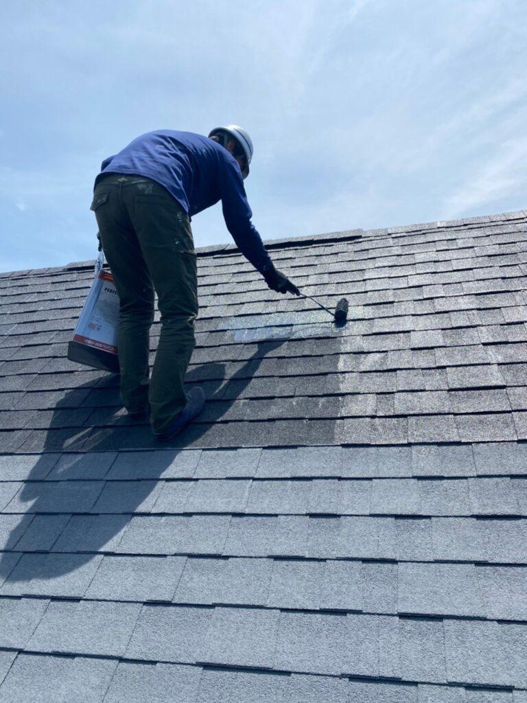 飯塚市 屋根塗装 中塗り・縁切り・上塗り 写真3
