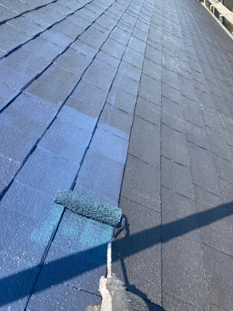 飯塚市 屋根塗装 中塗り・縁切り・上塗り 写真9
