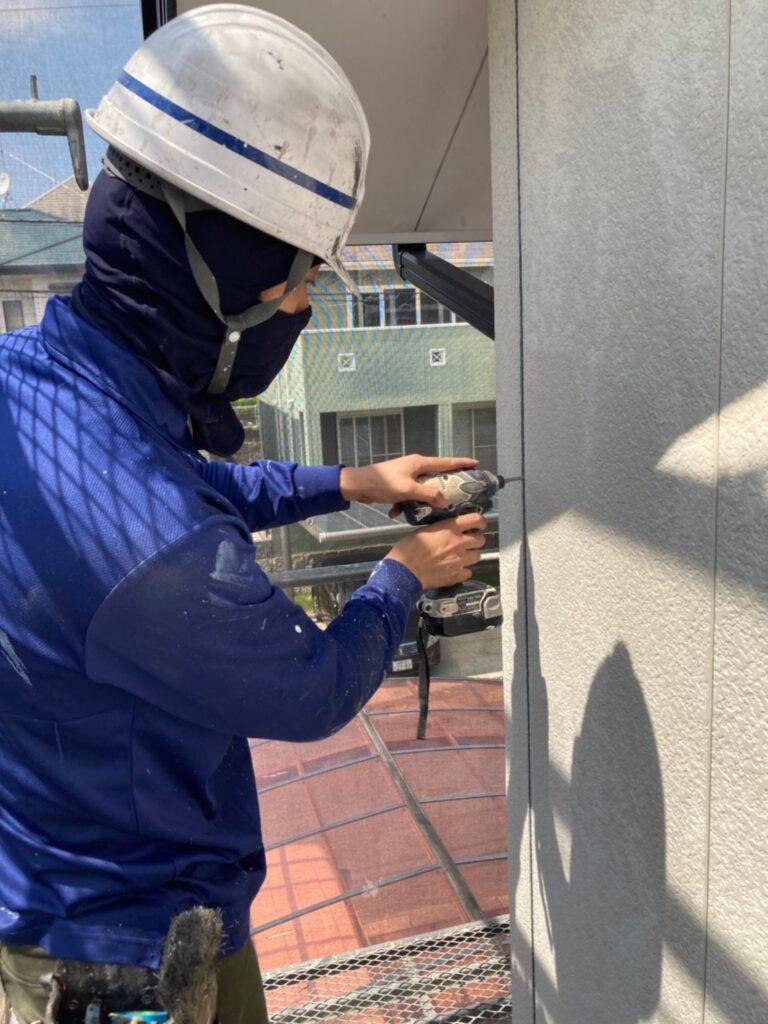 福岡市東区 コーキング撤去と養生 写真4