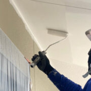 福岡市東区 外壁下塗りと軒天塗装