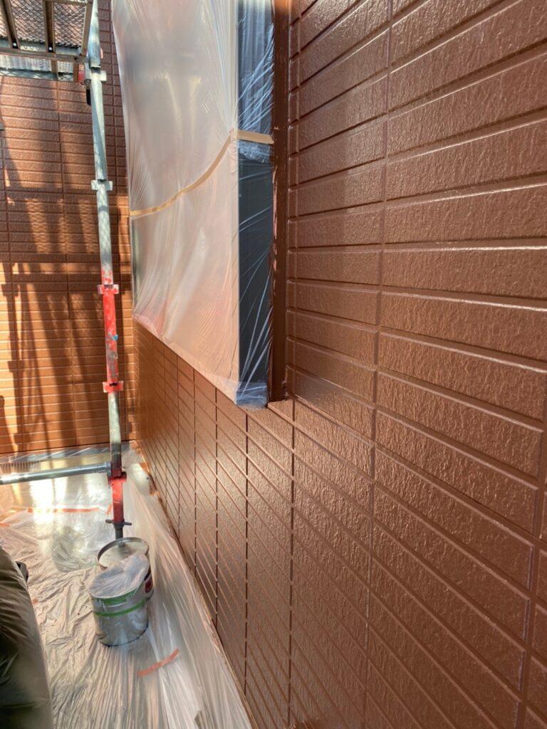 福岡市東区 外壁塗装(中塗り) 隙間処理 写真12