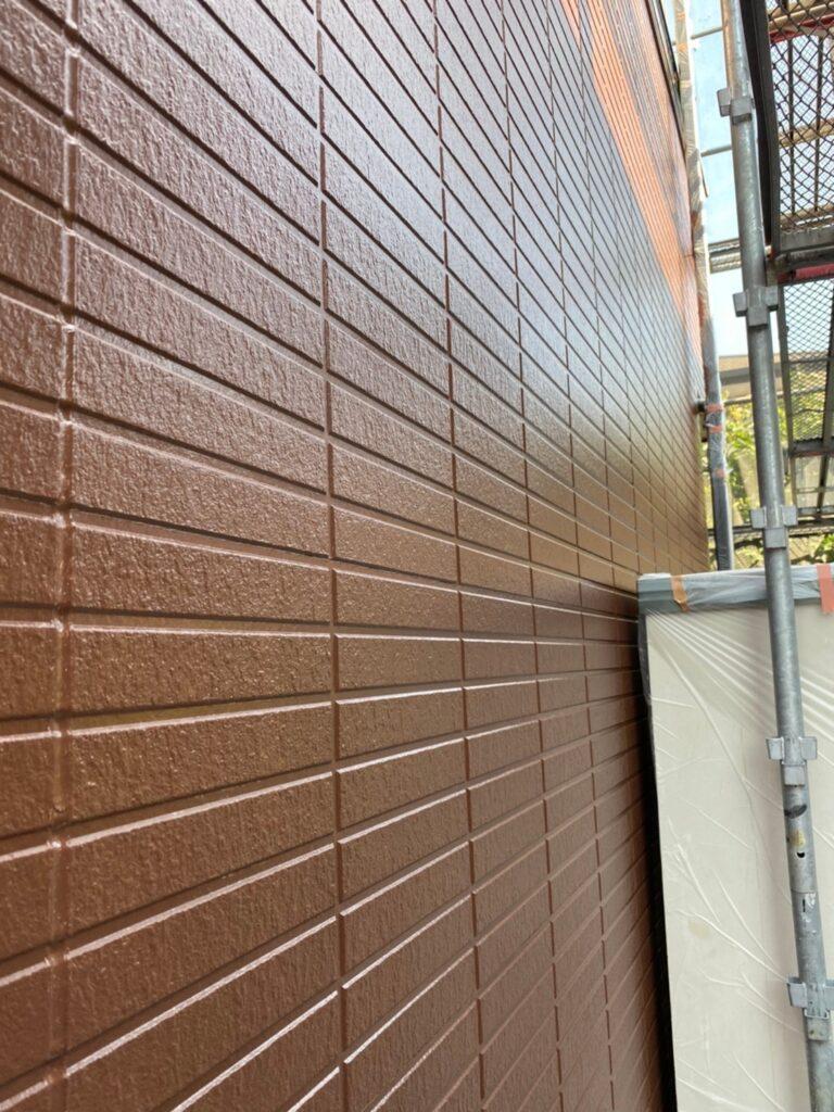 福岡市東区 外壁塗装(中塗り) 隙間処理 写真13