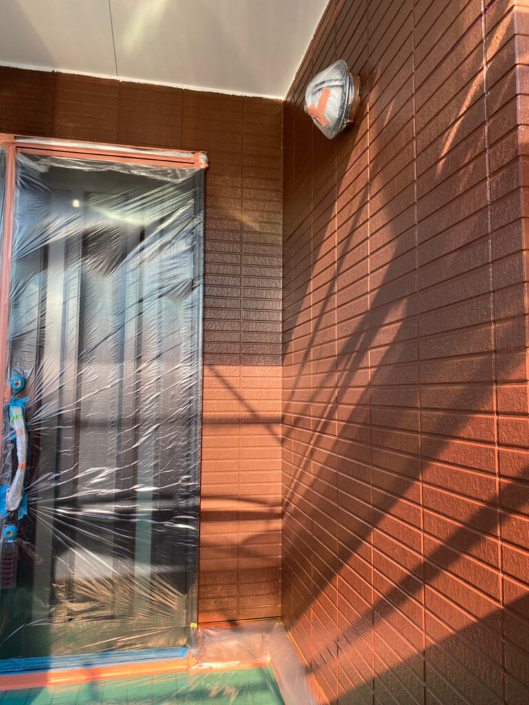 福岡市東区 外壁塗装(中塗り) 隙間処理 写真14