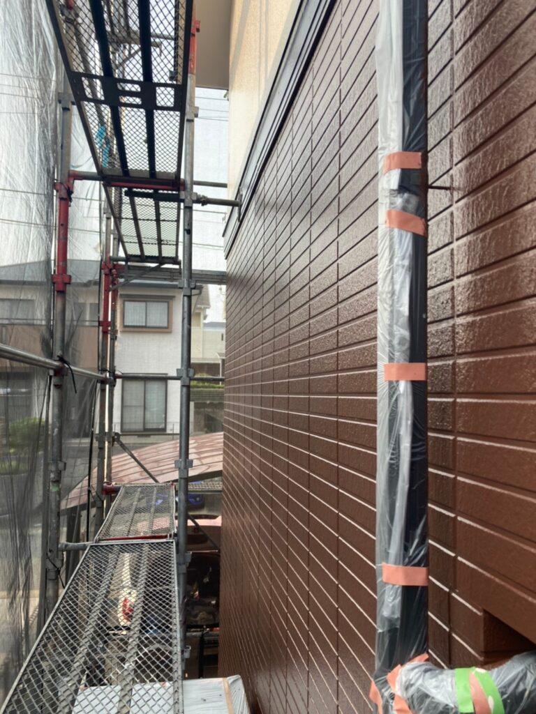 福岡市東区 外壁塗装(上塗り) 写真18