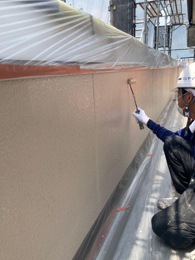 福岡市東区 外壁塗装(上塗り) 写真4