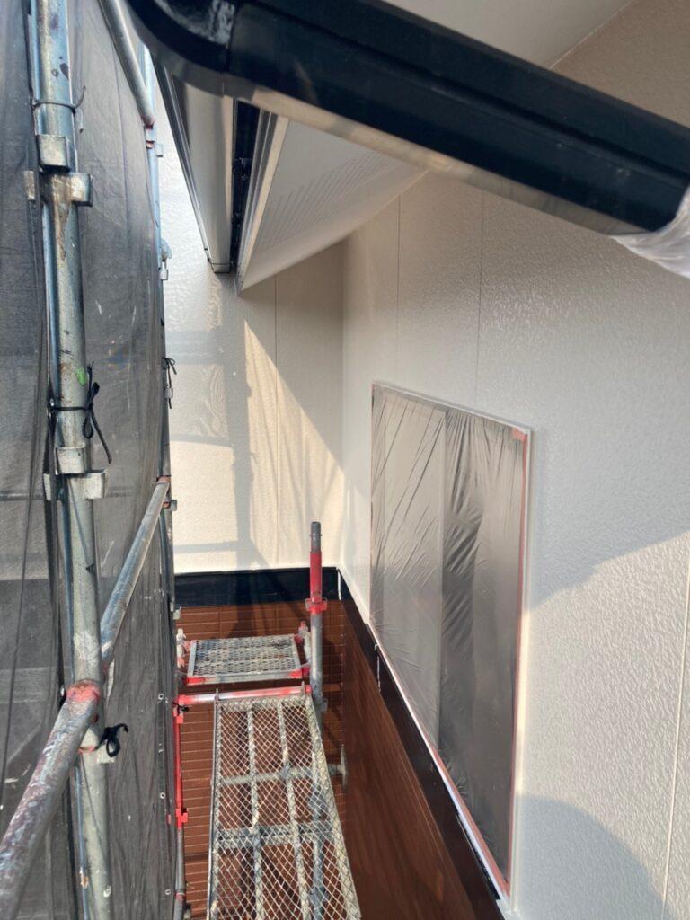 福岡市東区 外壁塗装(上塗り) 写真6