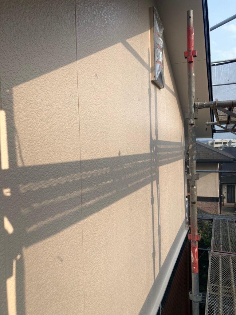 福岡市東区 外壁塗装(上塗り) 写真7