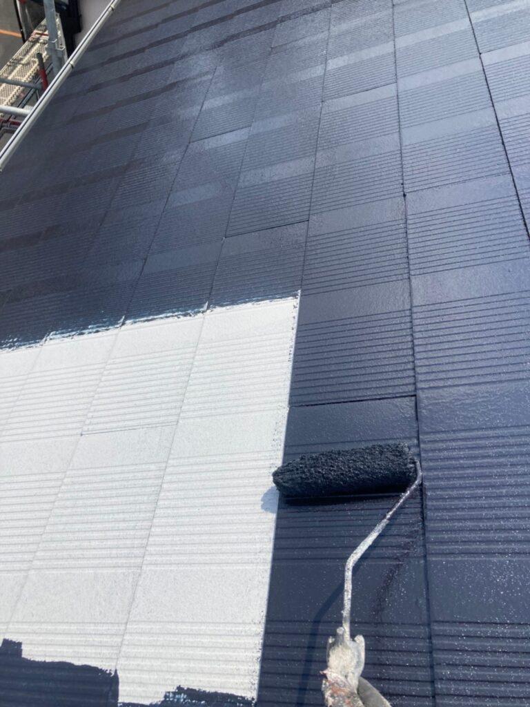 福岡市東区 屋根塗装 中塗り 上塗り 写真2