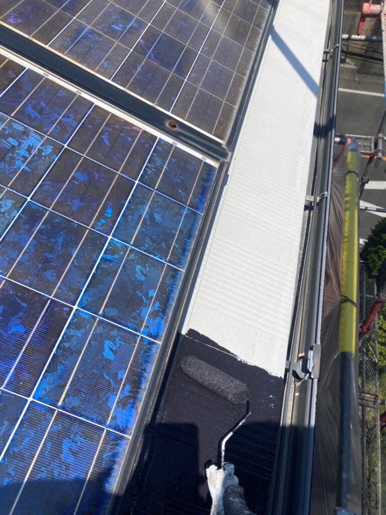 福岡市東区 屋根塗装 中塗り 上塗り 写真4