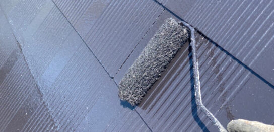福岡市東区 屋根の中塗りと上塗り