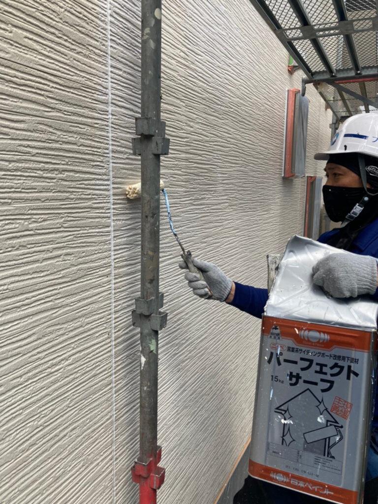 太宰府市 軒天塗装 外壁塗装(下塗り) 写真8
