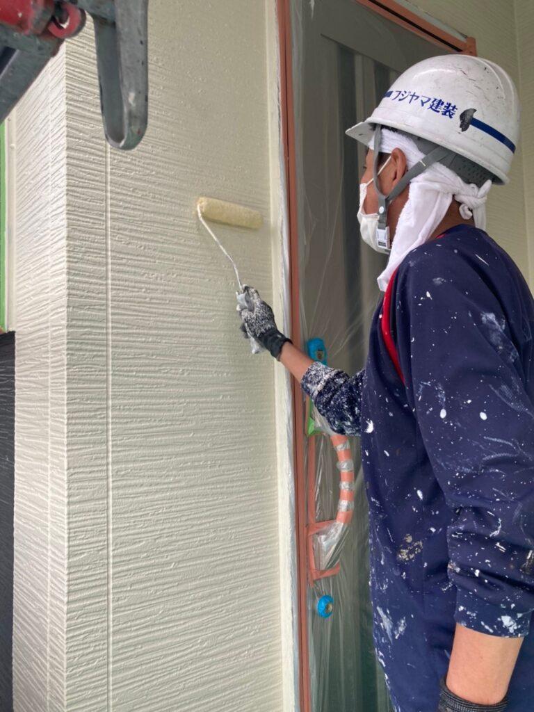 太宰府市 外壁塗装(中塗り) 写真10