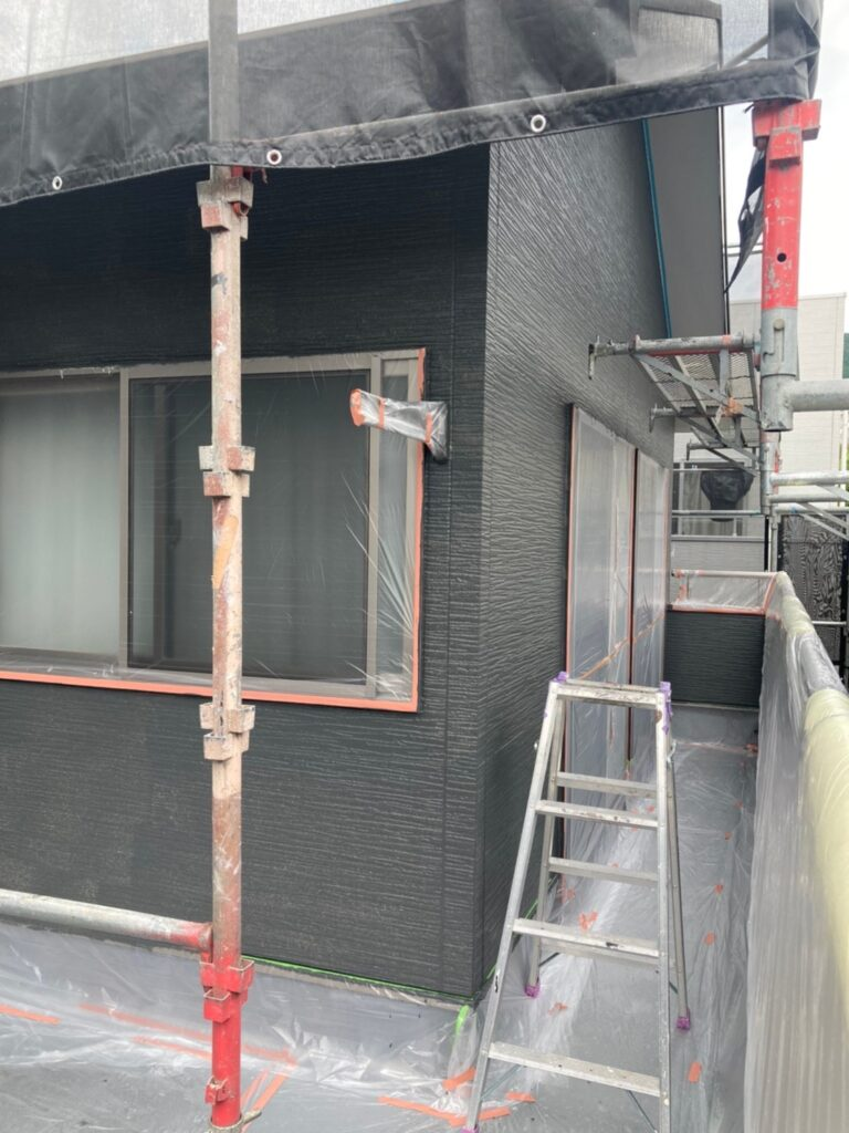 太宰府市 外壁塗装(中塗り) 写真6