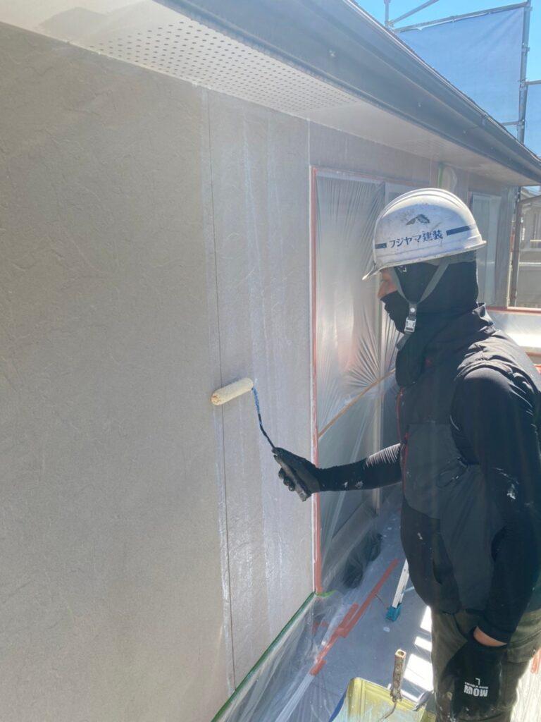 小郡市 外壁塗装(下塗り) 軒天塗装 写真2