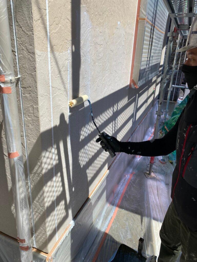 小郡市 外壁塗装(下塗り) 軒天塗装 写真4