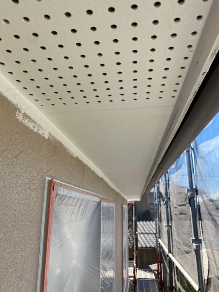 小郡市 外壁塗装(下塗り) 軒天塗装 写真9