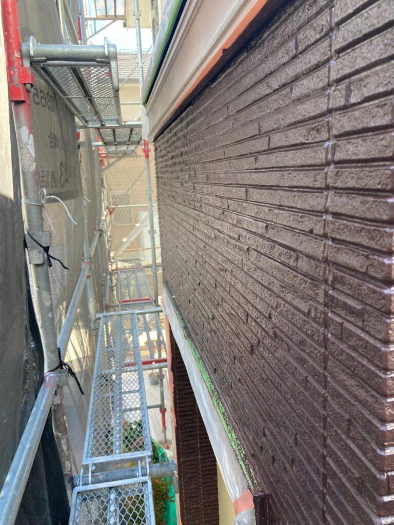 小郡市 外壁塗装(中塗り) 写真13