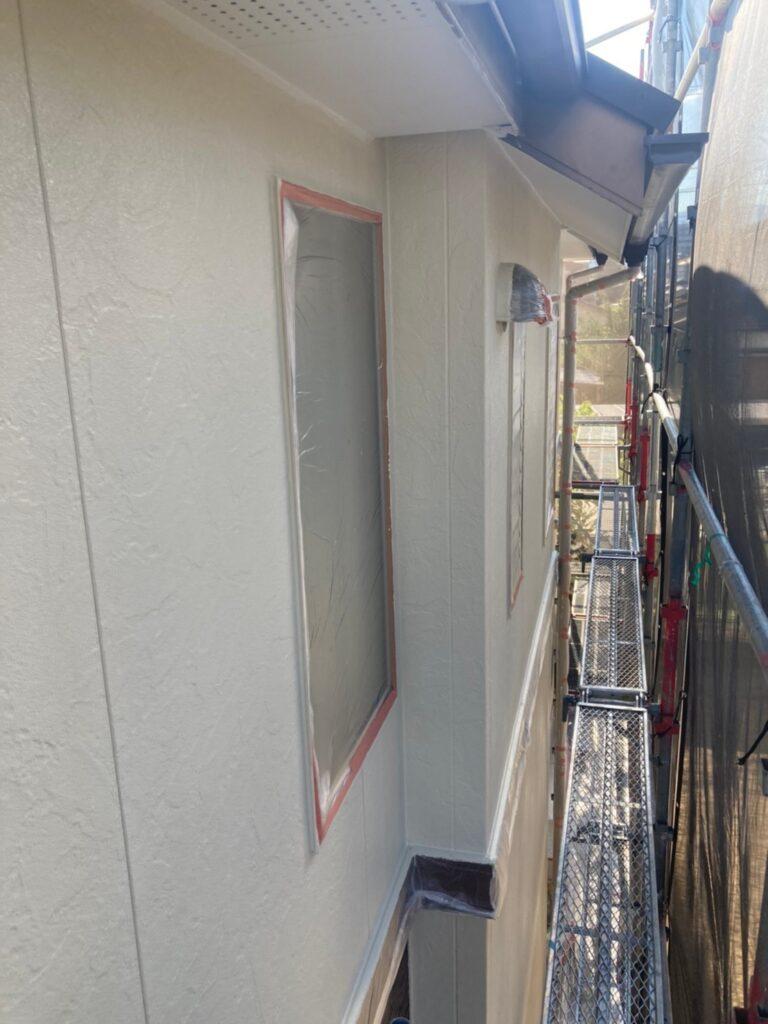 小郡市 外壁塗装(中塗り) 写真8