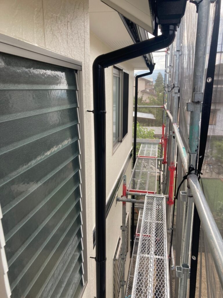 小郡市 屋根塗装(中塗り) 付帯塗装 写真10
