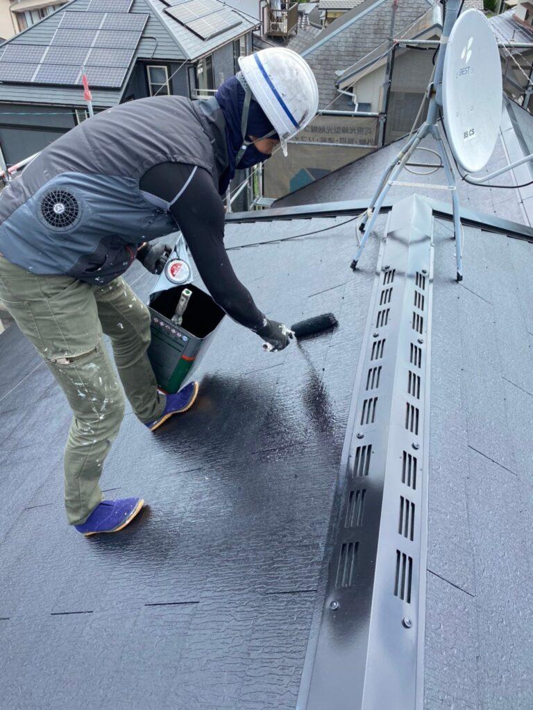 小郡市 屋根塗装 縁切り・上塗り 写真7