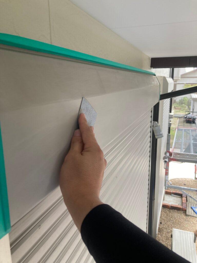 小郡市 付帯塗装③ 折半屋根錆止め塗装 写真1