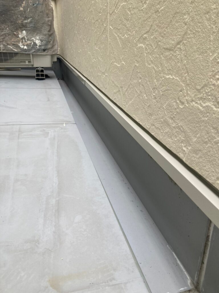 小郡市 付帯塗装③ 折半屋根錆止め塗装 写真8