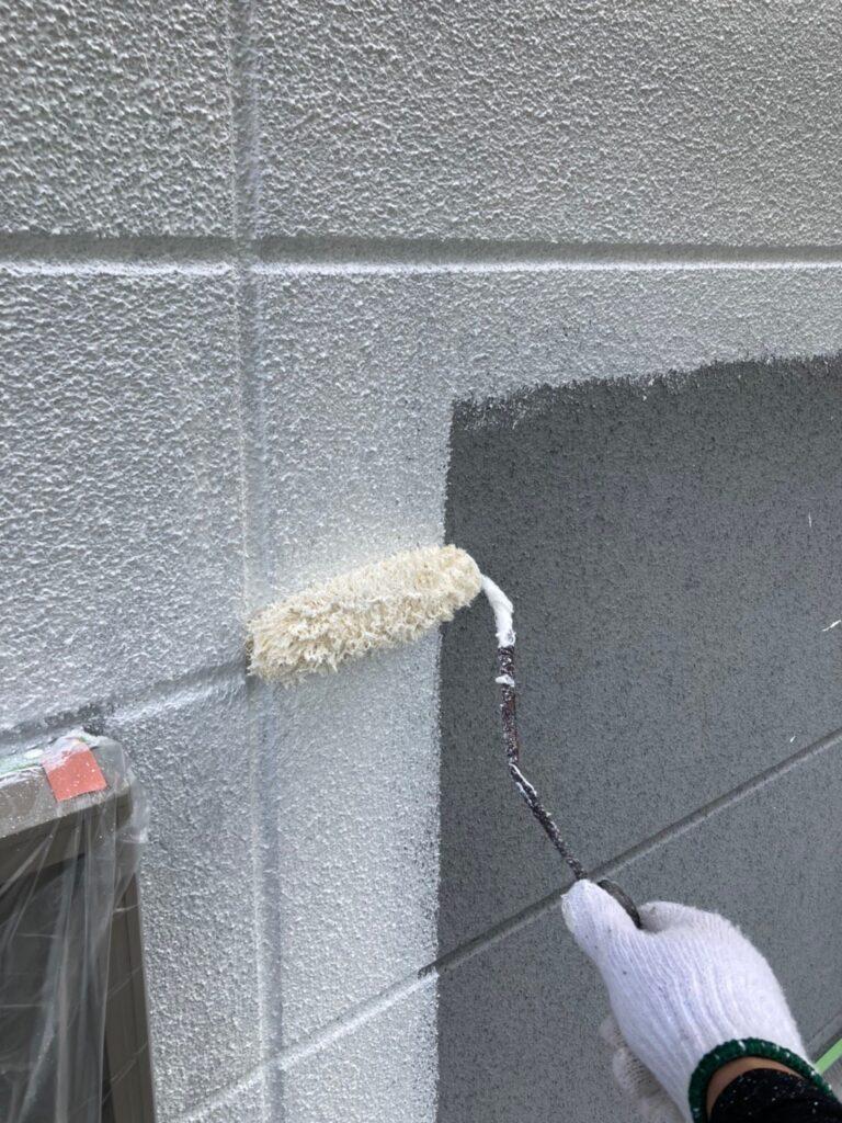 三養基郡 外壁塗装(下塗り) 写真2