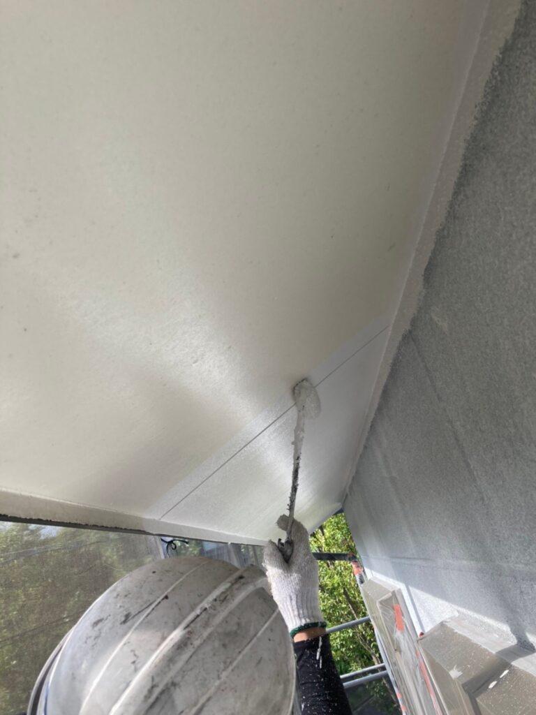 三養基郡 軒天塗装 外壁塗装(中塗り①) 写真3