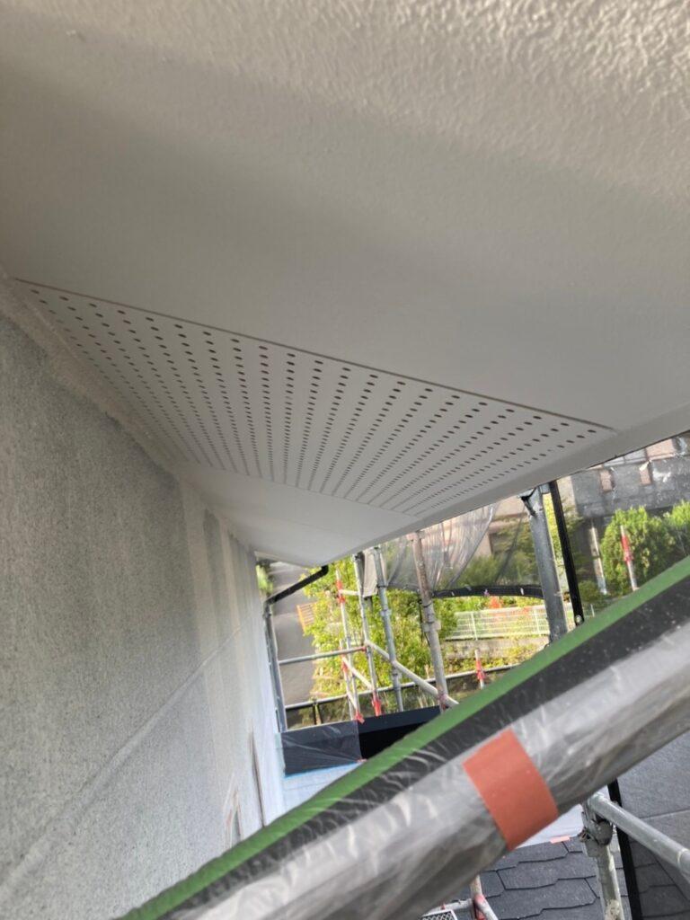 三養基郡 軒天塗装 外壁塗装(中塗り①) 写真5