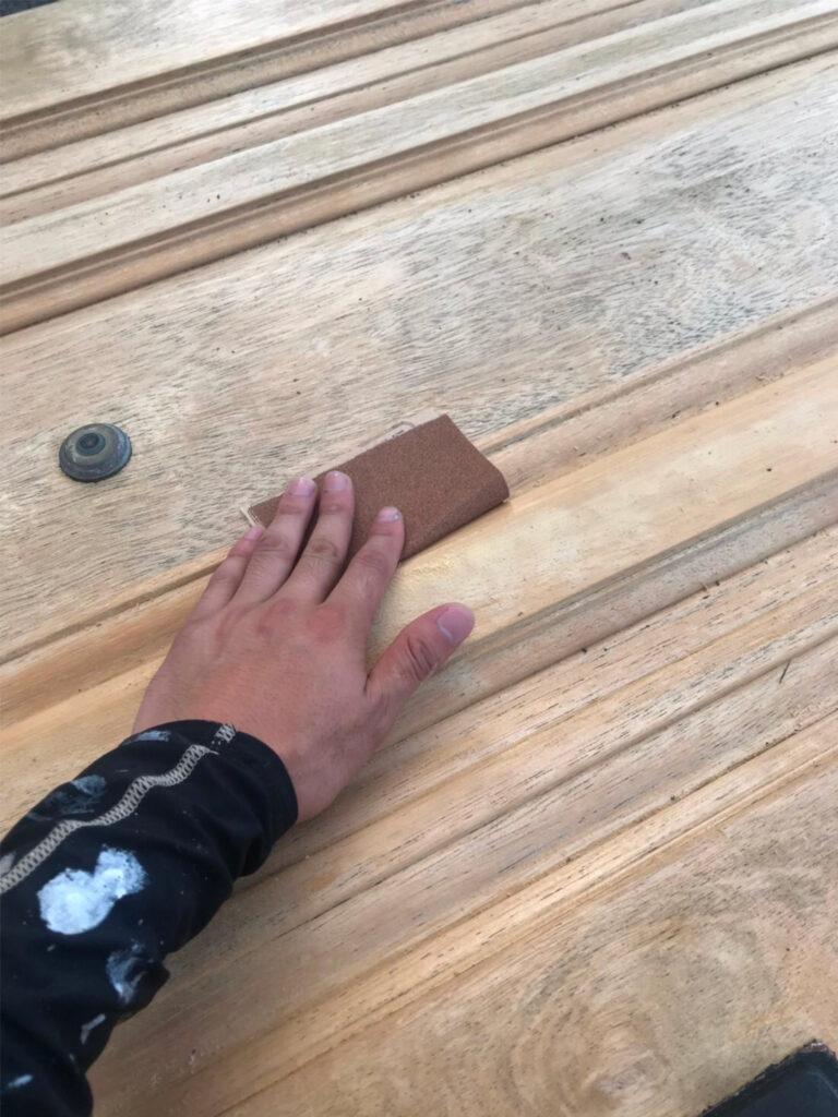 匠の技!木製玄関ドア塗装 写真10