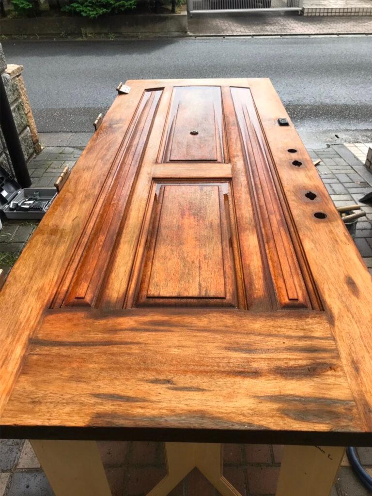 匠の技!木製玄関ドア塗装 写真6